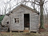 USA - Doolittle MO - Abandoned Johns Modern Cabins  Standing Cabin (14 Apr 2009)